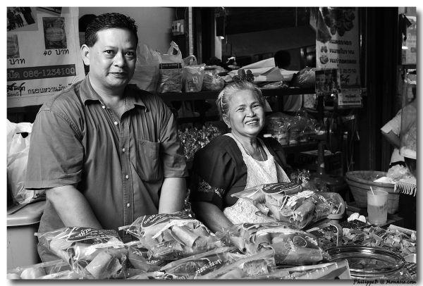 Thai poeple in old style market