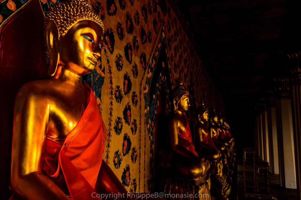 Wat Arun, Buddhas