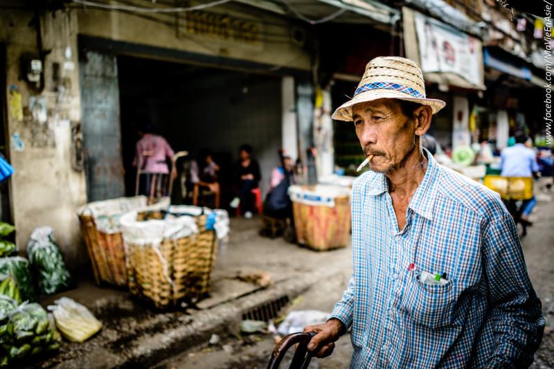 Worker in Pak Klong Talat