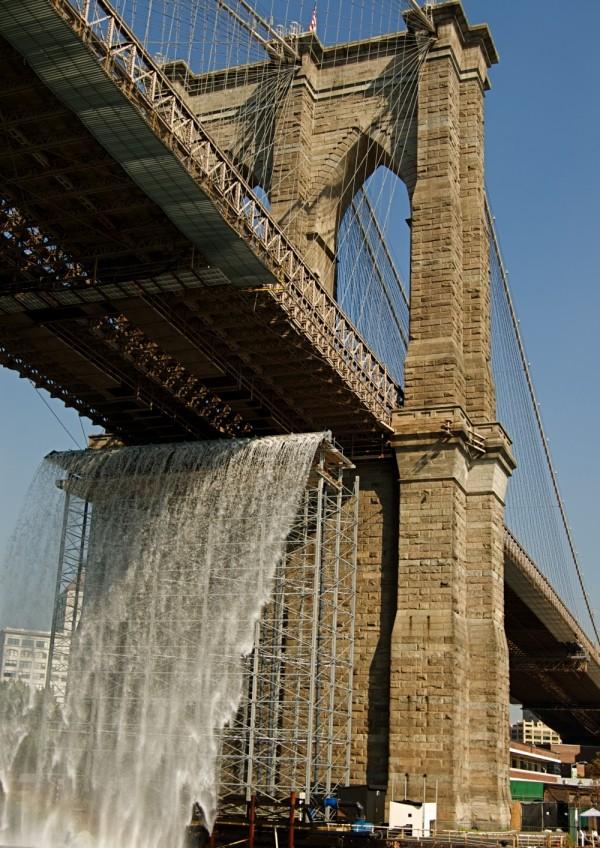 Olafur Eliasson's Brooklyn Bridge waterfall