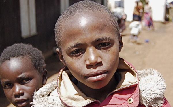 Displaced children, Kenya, 2008