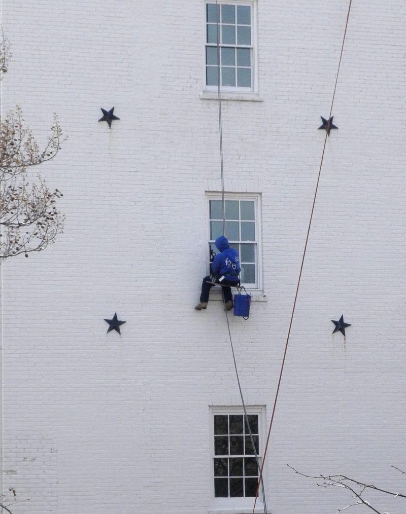 Window washer, Georgetown