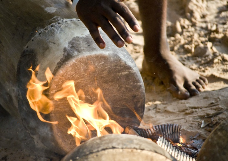 Heating drum heads, Congo