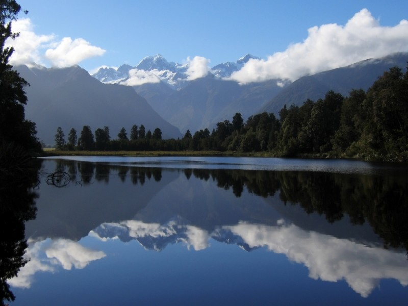 Lake Matheson , New Zealand
