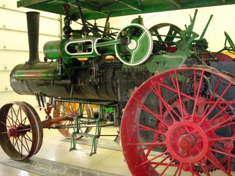 Waiting steam engine