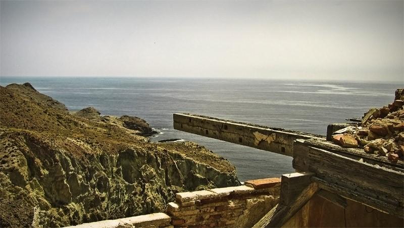 WOOD AND SEA. LOMA PELADA-1