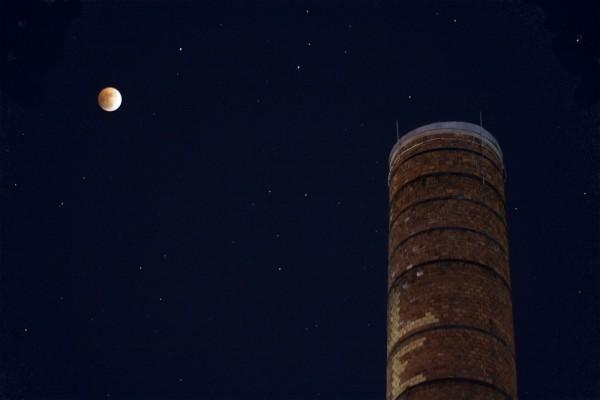 Lunar eclipse smoke stack