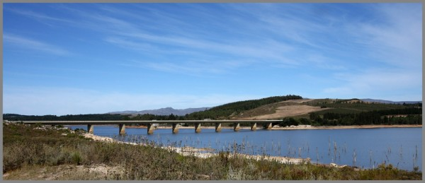 Theewaterskloof dam bridge