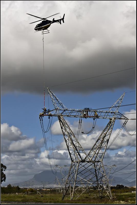 Repairs to electricity pylon