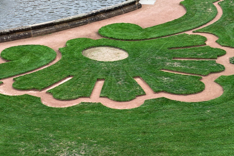 patterned lawn