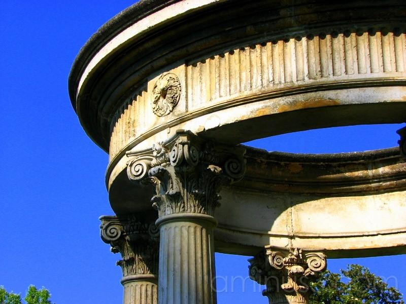 Circle on Columns