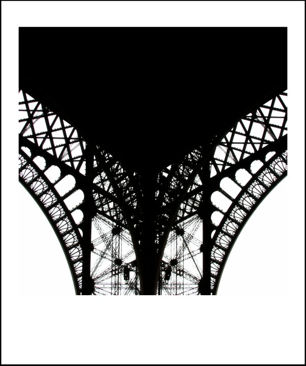 The True Story Of Miss Eiffel And Mr Gravity (2/5)