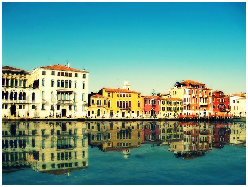 Walk Along The Waterfront (Venise/Venice)