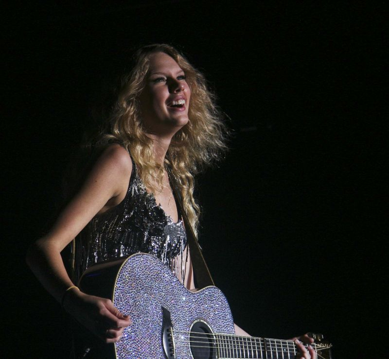 Taylor Swift at BamaJam