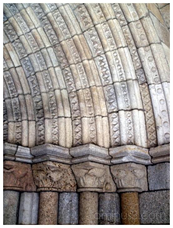 Romanic-Gothic door (Viseu)