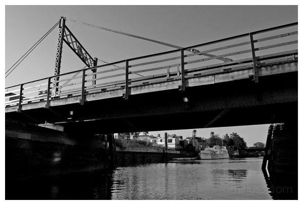 Gowanus canal brooklyn bridge
