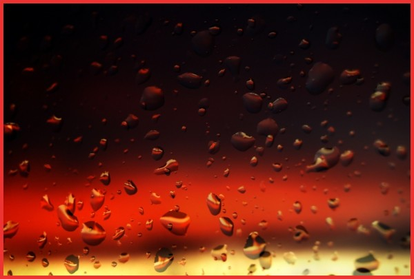 drop water gold gouttes eau or