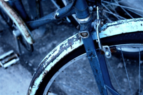 A cld bike on a cold day