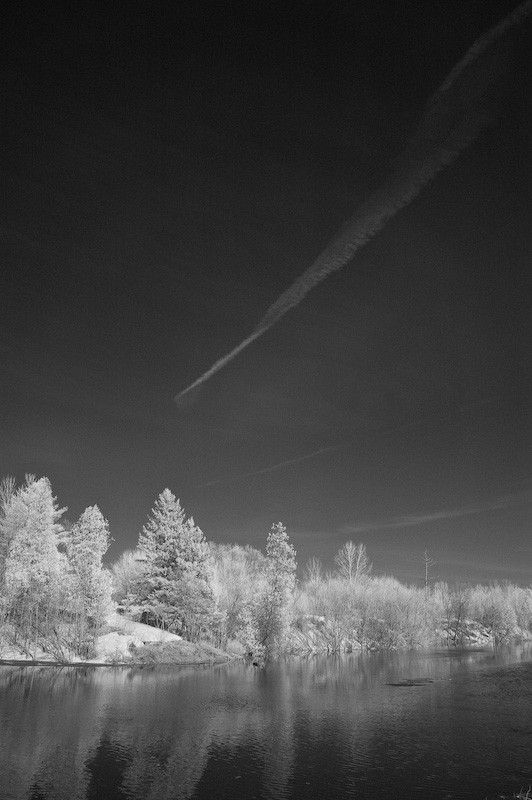 Contrails in infrared