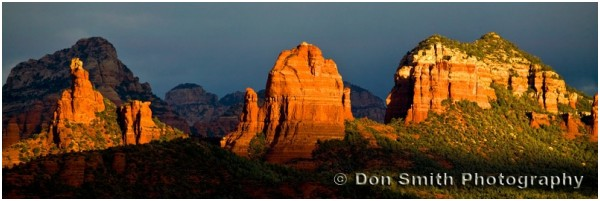 Late afternoon light on Sedona Buttes