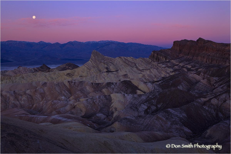 Moonset at dawn, Zabriske Point, Death Valley.
