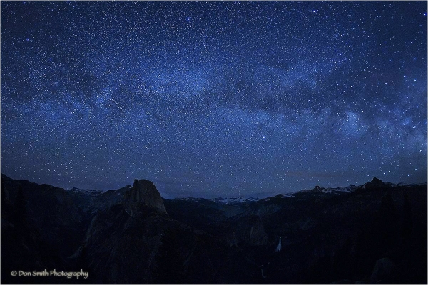 Starfield over Yosemite high country.