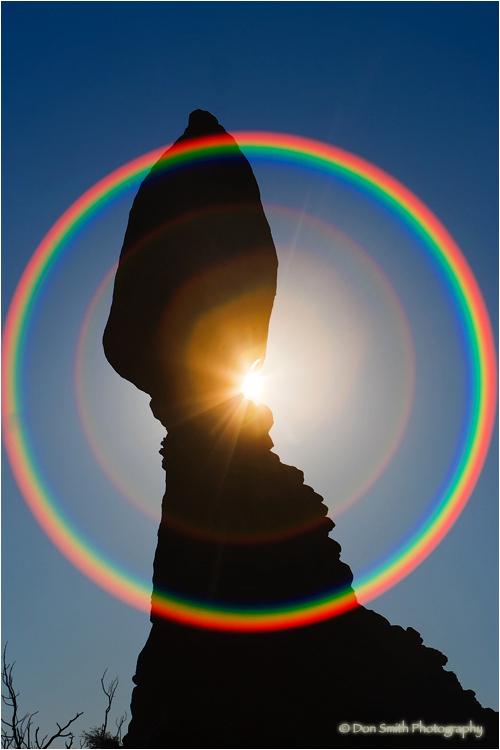 A 360-degree flare pattern around Balanced Rock.