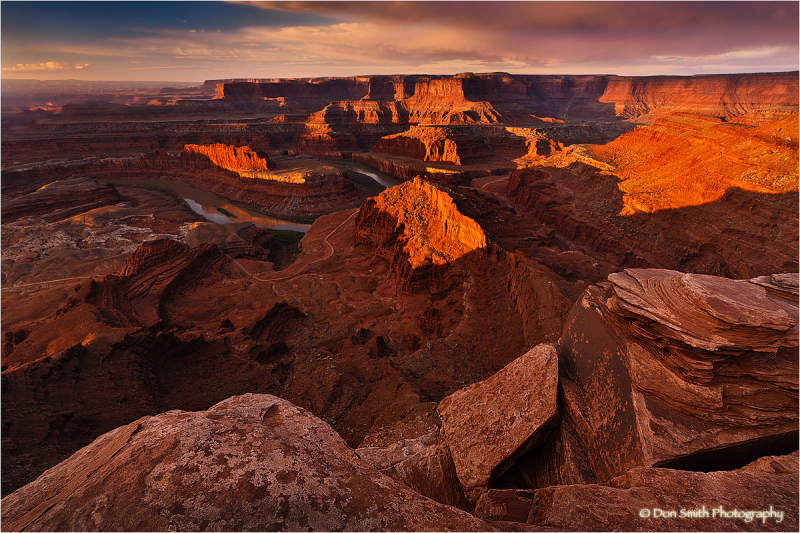 First light at Dead Horse Point State Park