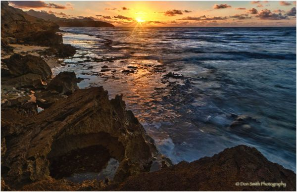 Sunrise, lava shelfs and lithified cliffs, Kauai