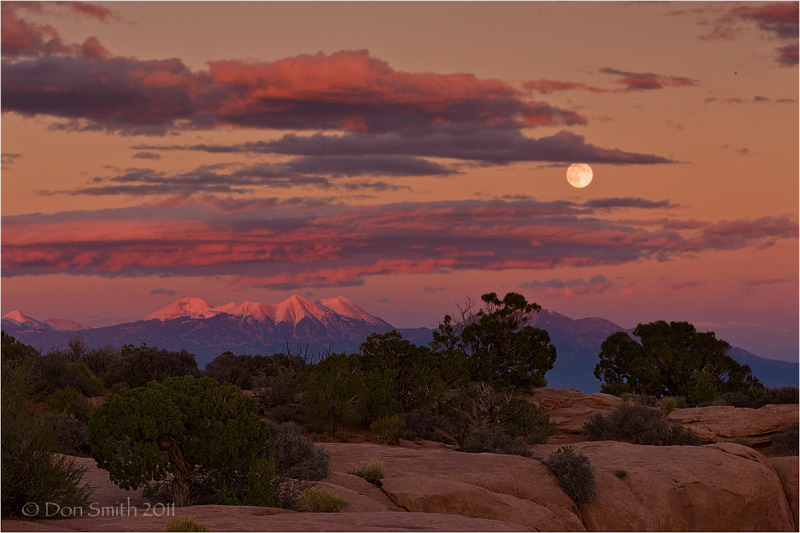 Moonrise from Canyonlands' GrandView.