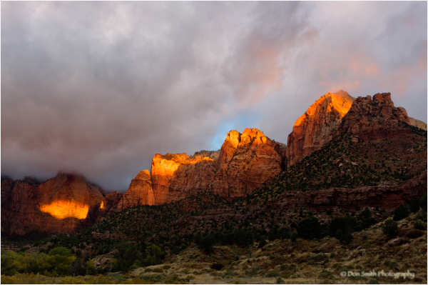 Alpenglow light on Tower of the Virgins, Zion NP.