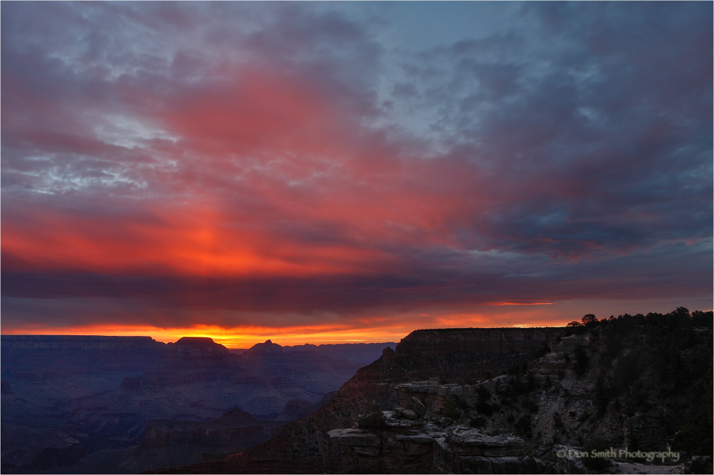 Dawn light, Grand Canyon, Arizona.