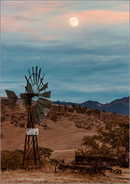Pinnacles National Park, moonrise, don smith photo