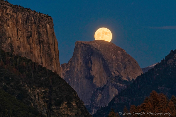 Supermoon Rises Over Half Dome, Yosemite NP