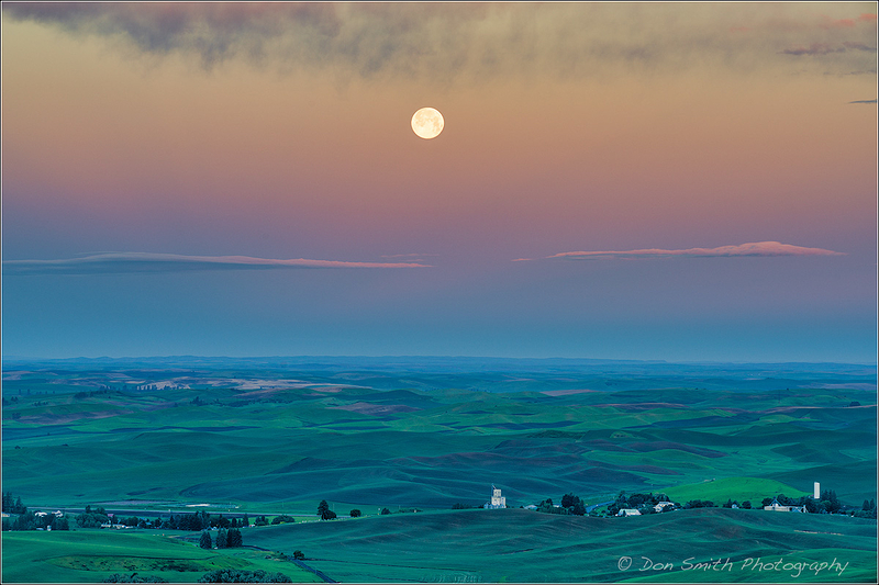 Moonset Over Palouse, Eastern Washington State
