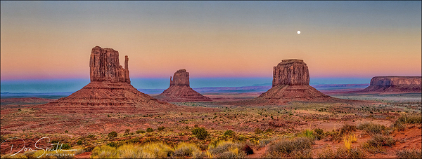 Moonrise Over Monument Valley