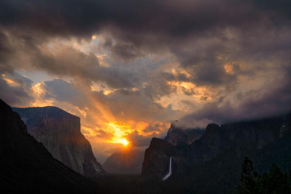 Sunbeams Over Yosemite Valley
