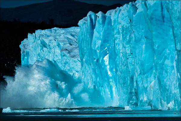 Calving Ice, Perito Moreno Glacier, Los Glaciares