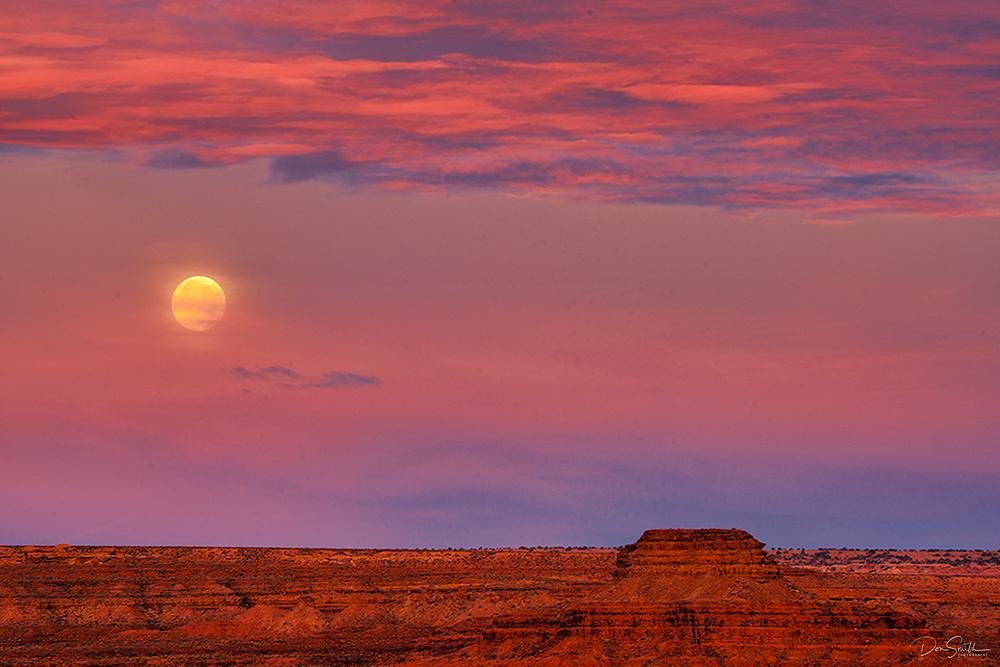 Moonset in Desert Southwest, Utah