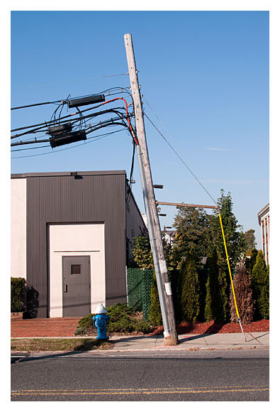 Yes, this telephone pole ...