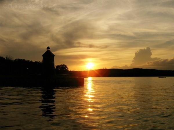 Lighthouse Sunlite