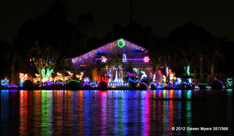 357/366 Val Vista Lake Christmas Lights
