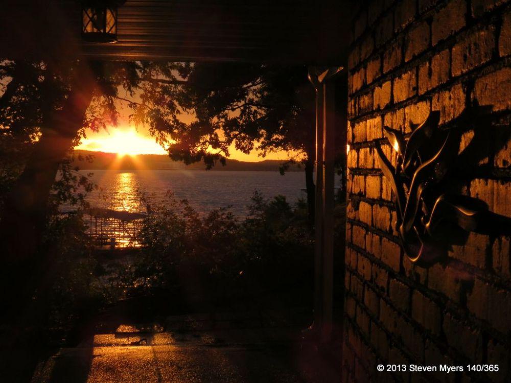 140/365 Sunset in Missouri (Praying for Moore OK)