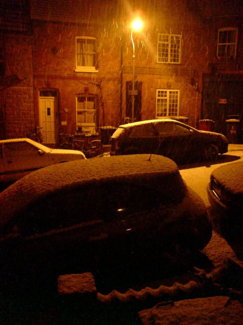 Snowing Feb 09
