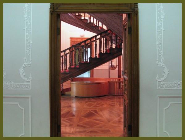 TEHRAN-GLAS & CERAMICS MUSEUM-1