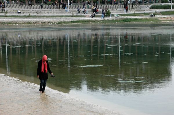 ISFAHAN- JUST THINKING....