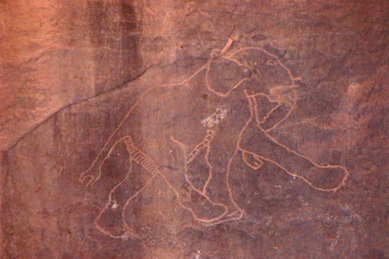 DESERT PREHISTORIC ART-4