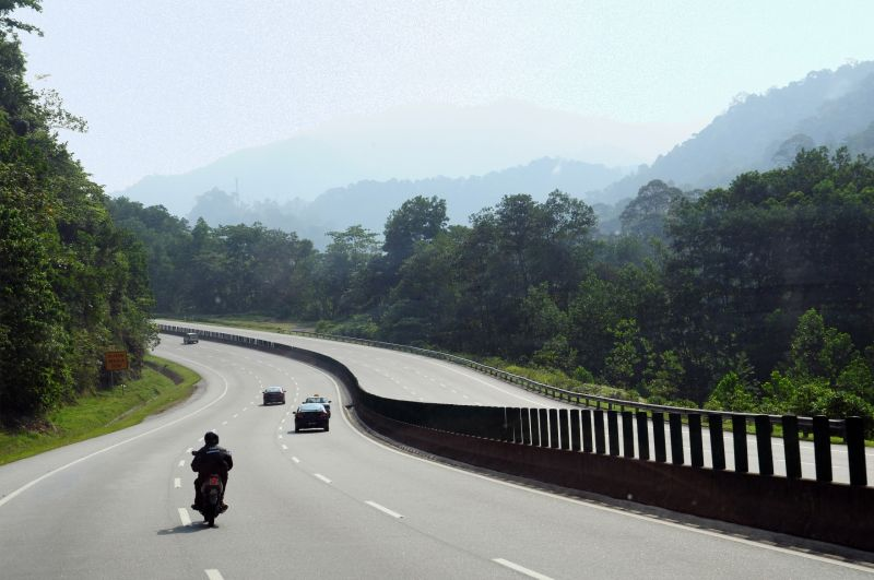 """A """"TROPICAL HIGHWAY"""" TO KL"""