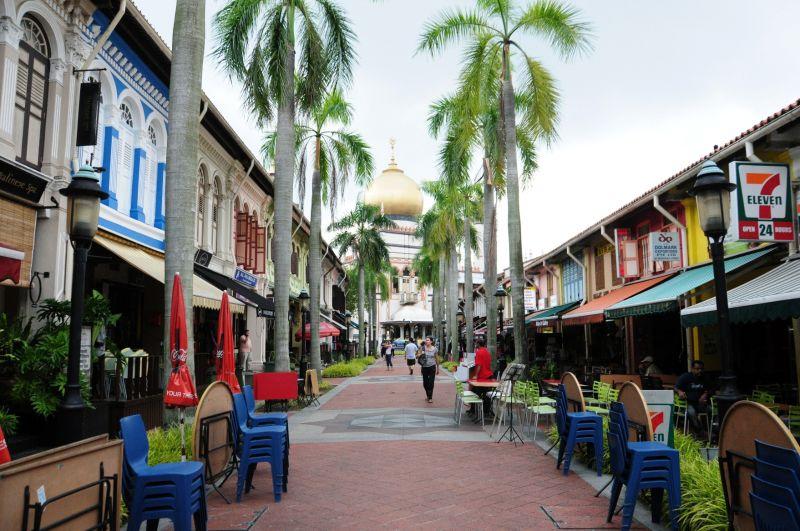 SINGAPORE-COLOURS