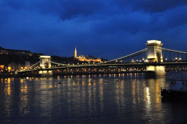 BUDAPEST BY NIGHT-2